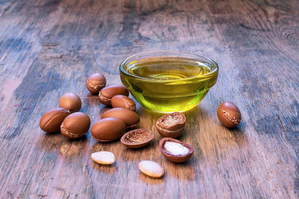 look what happens when you place argan oil on your face every morning for eight days